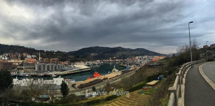 Vistas de Pasajes San Juan y San Pedro, mientras subíamos a Alza.